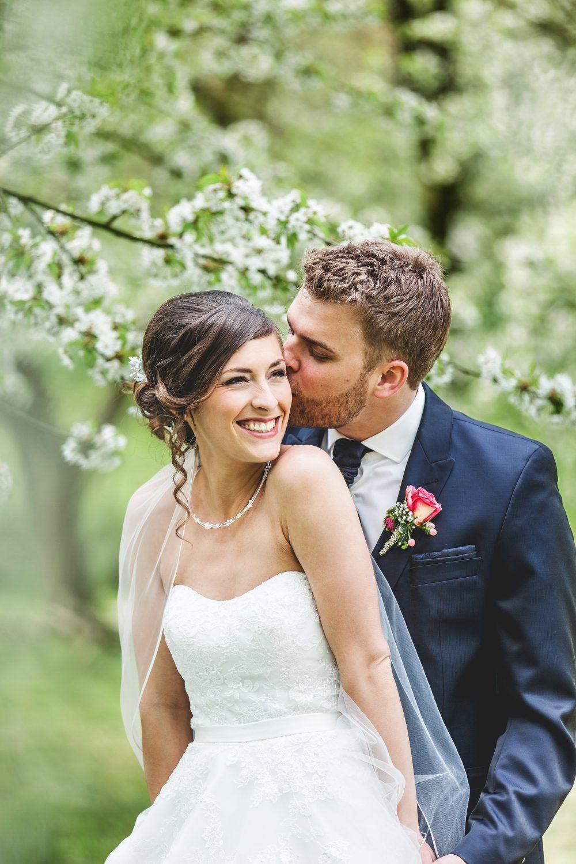 Hochzeit unter Kirschbumen